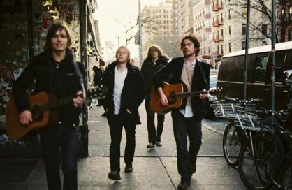Wild Light varmer op for Arcade Fire